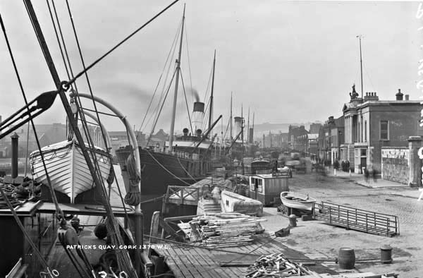 Ship being unloaded at St. Patrick's Quay, Cork around 1900