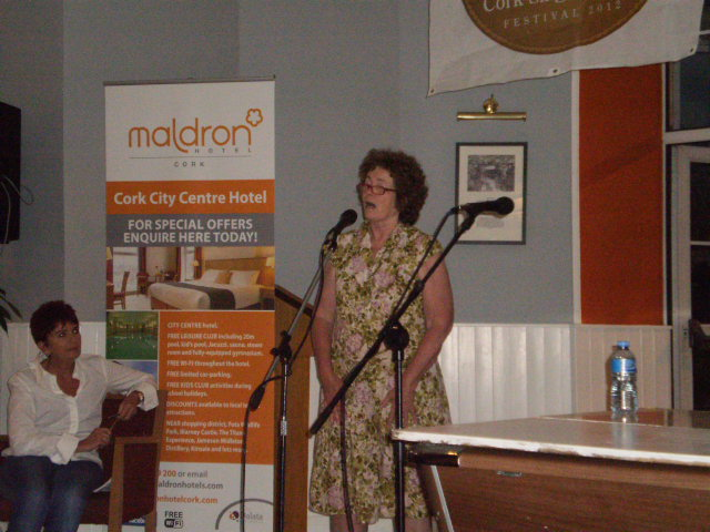 "US folk / union singer Anne Feeneywho performed at the Grand Concert at the Firkin Crane along with Si Kahn.  Here she is singing at an ""open mike"" session at the Maldron Hotel."