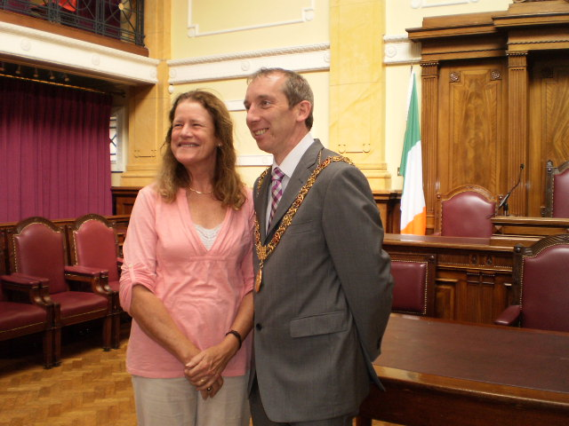 Kaiulani Lee with Lord Mayor John Buttimer at Cork City Hall in 2012