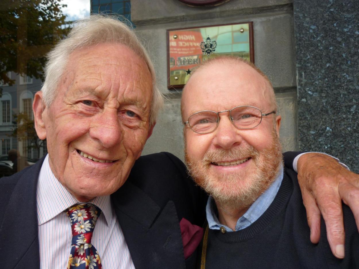 Dr Sean Pettit (left)