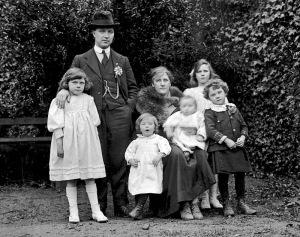 Mac Curtain family